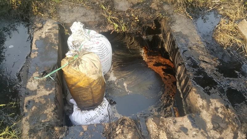 Một công ty sản xuất gạch men xả thải ra môi trường - ảnh 2