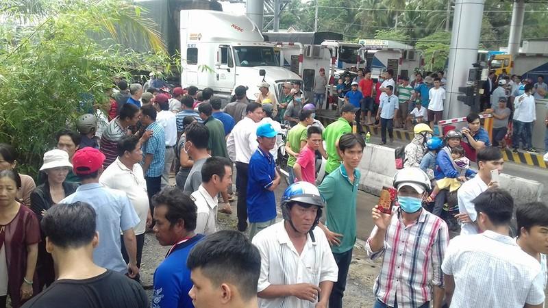 Nóng: Chủ tịch TP Cần Thơ trả lời báo chí về BOT - ảnh 1
