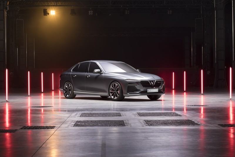 VinFast đồng loạt ra mắt 3 dòng sản phẩm ô tô, xe máy điện - ảnh 1
