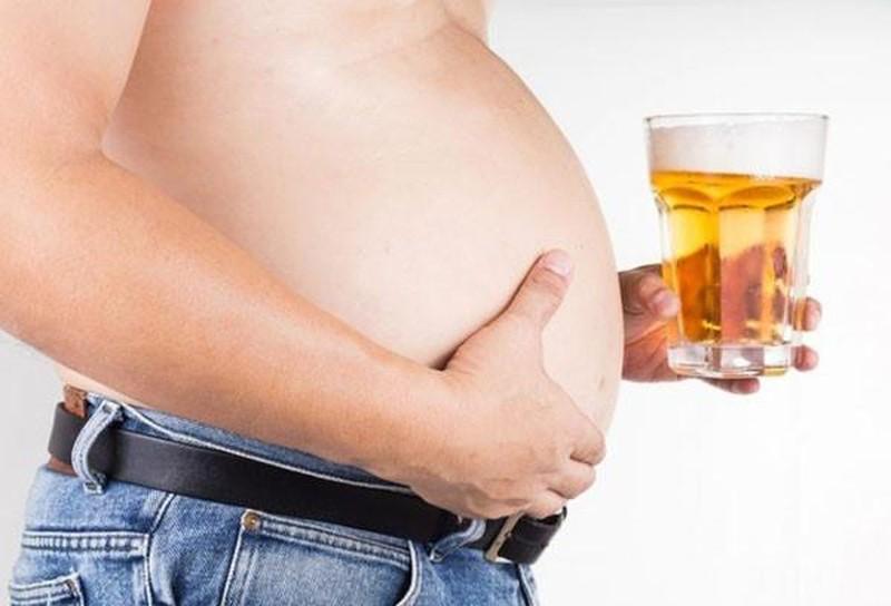 Những lý do làm người uống rượu càng lúc càng béo phì - ảnh 1