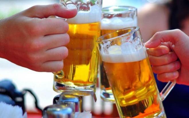 Bị phạt thế nào nếu bán rượu cho người dưới 18 tuổi? - ảnh 1