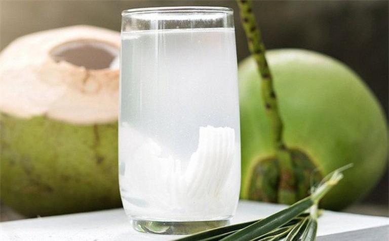 Nước dừa có thể giúp giải độc tố cho thận - ảnh 1