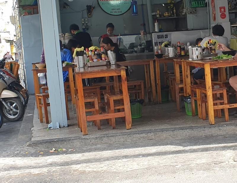 Nhiều cửa hàng ăn uống chưa đảm bảo an toàn chống dịch  - ảnh 2