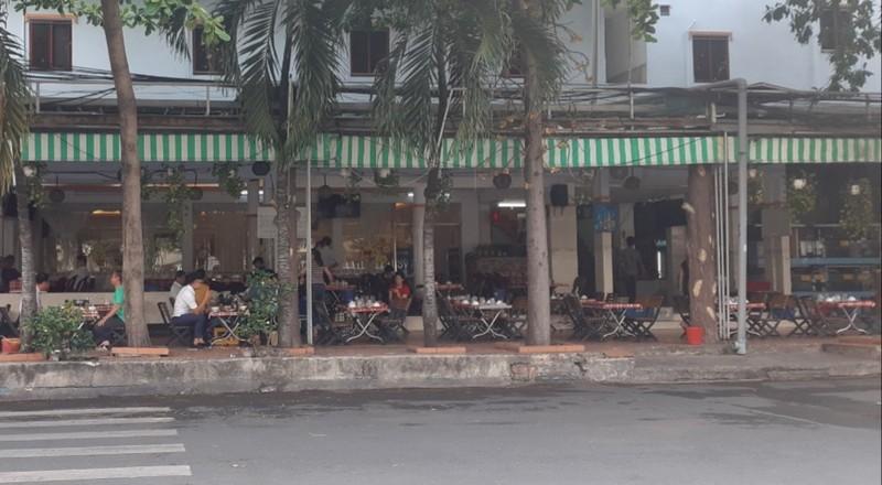 Hết giãn cách xã hội, nhiều quán ăn vẫn vắng khách - ảnh 6