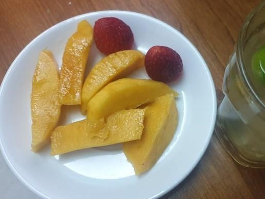 Những loại trái cây nên ăn trong mùa mưa để phòng bệnh - ảnh 1