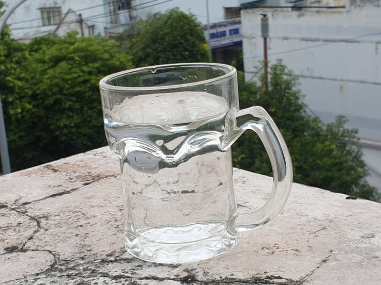 Uống đủ nước giúp tăng cường sức khỏe trong mùa COVID-19 - ảnh 1