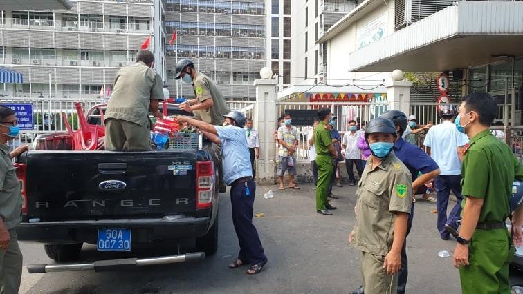 Quận 5: Lập lại trật tự trước cổng các bệnh viện - ảnh 3