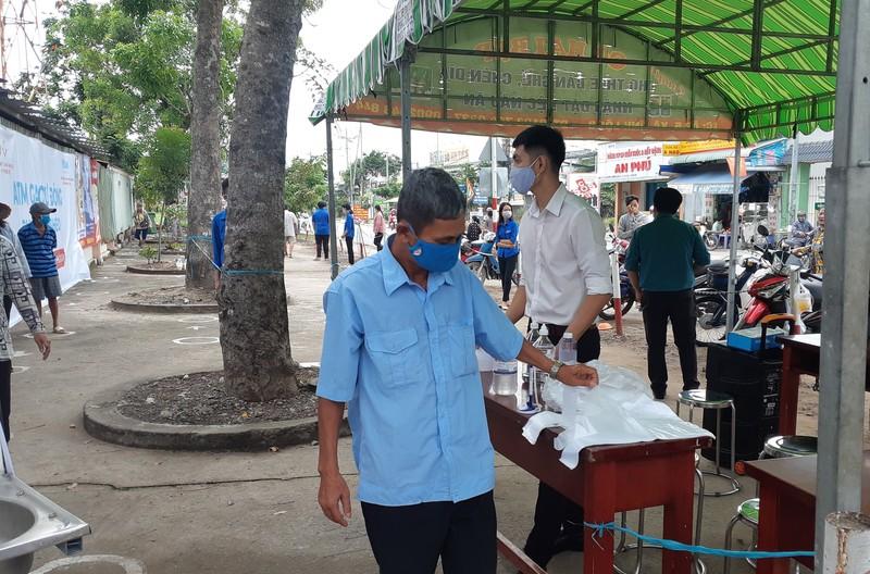 Thêm cây ATM gạo ở Vĩnh Lộc B hoạt động - ảnh 3