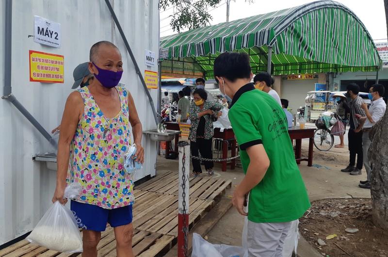 Thêm cây ATM gạo ở Vĩnh Lộc B hoạt động - ảnh 4