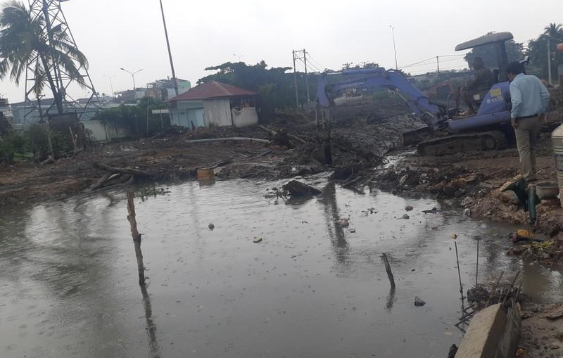 Quận 12: Trời không mưa nhà dân vẫn bị ngập - ảnh 3