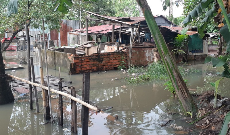 Quận 12: Trời không mưa nhà dân vẫn bị ngập - ảnh 2