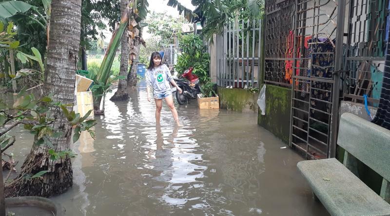 Quận 12: Trời không mưa nhà dân vẫn bị ngập - ảnh 1