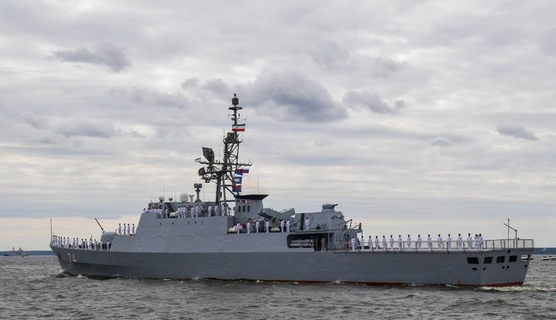 Tàu chiến Iran từng khiến Mỹ, Anh lo lắng tham gia diễu binh ở Nga - ảnh 1