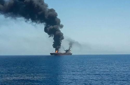 Mỹ điều tàu sân bay hỗ trợ tàu dầu Israel bị tấn công ở vịnh Oman - ảnh 2