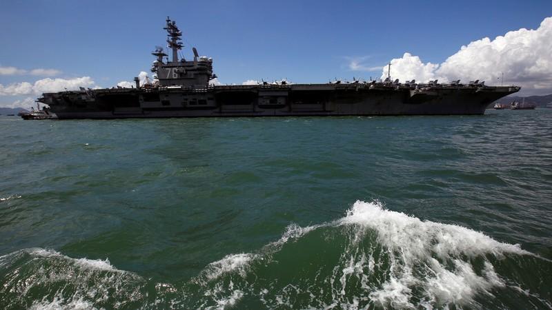 Mỹ điều tàu sân bay hỗ trợ tàu dầu Israel bị tấn công ở vịnh Oman - ảnh 1