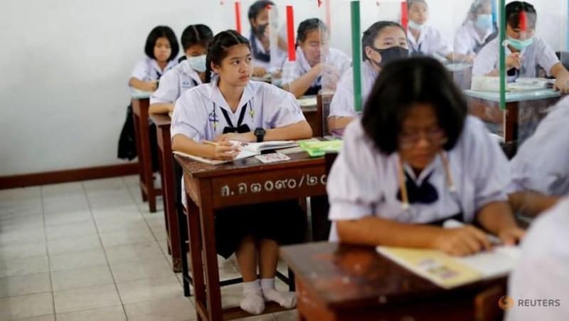 Thái Lan mở cửa lại trường học với biện pháp phòng chống dịch nghiêm ngặt - ảnh 2