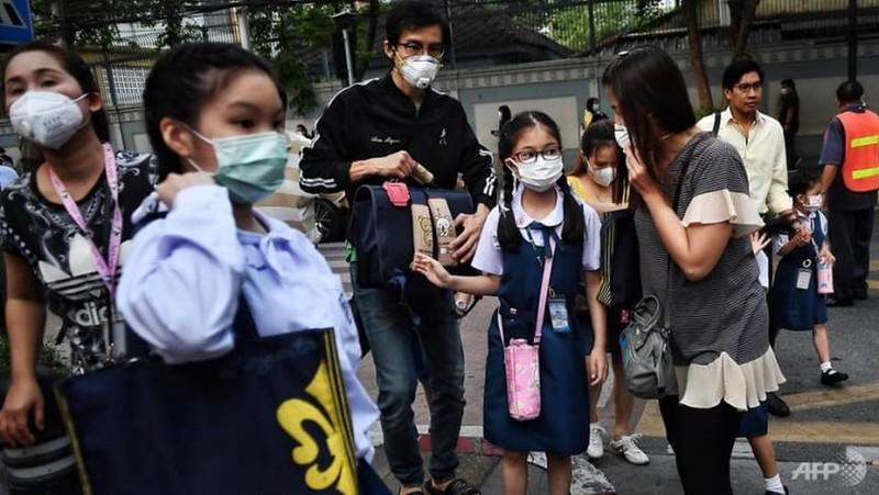 Thái Lan mở cửa lại trường học với biện pháp phòng chống dịch nghiêm ngặt - ảnh 1