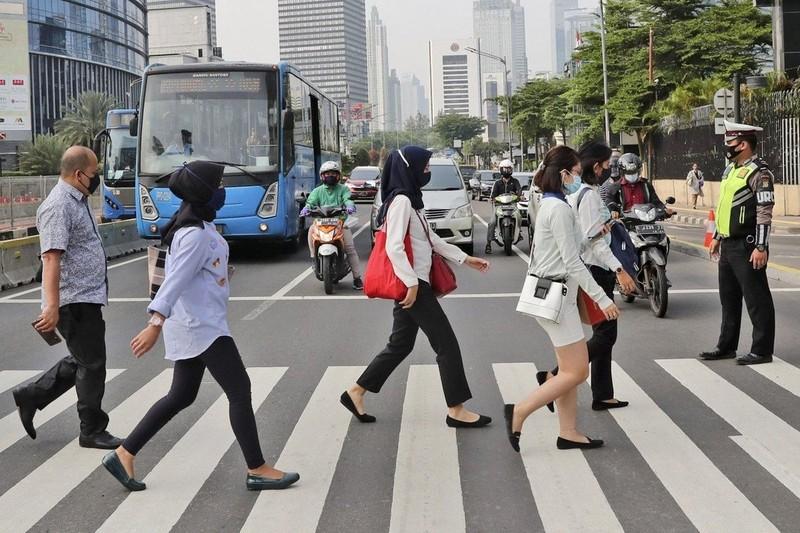 Bài học lộ trình mở cửa lại: Jakarta-không cấm chợ, siêu thị ở cấp độ cao nhất - ảnh 1