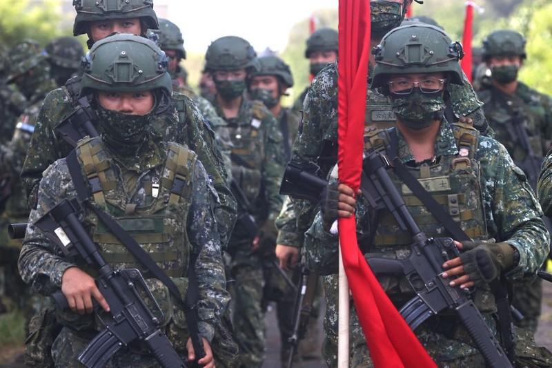 Đài Loan đề xuất thêm gần 9 tỉ USD chi tiêu phòng vệ trước mối đe dọa từ TQ - ảnh 1