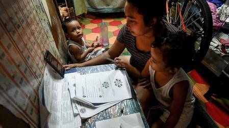 Philippines lên kế hoạch mở cửa trường học ở khu vực ít nguy cơ lây nhiễm - ảnh 3