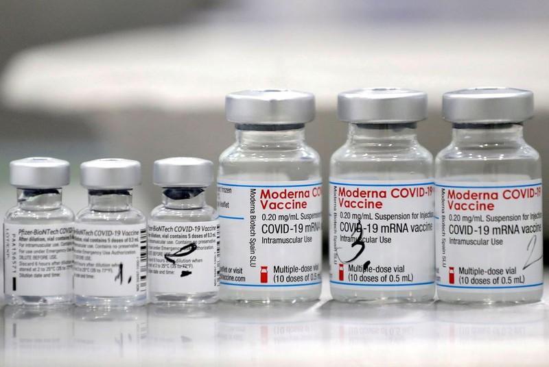 Cơ quan dược phẩm châu Âu xem xét việc tiêm mũi bổ sung vaccine của Moderna - ảnh 1