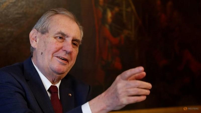 Tổng thống CH Czech 77 tuổi nhập viện, nằm phòng chăm sóc tích cực - ảnh 1