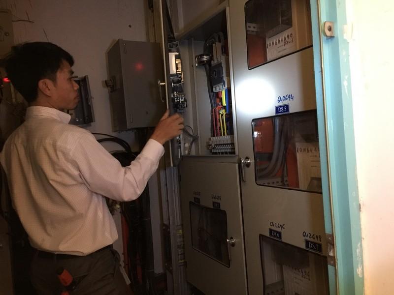 Dân chung cư bị cắt điện vì nợ... phí quản lý - ảnh 1
