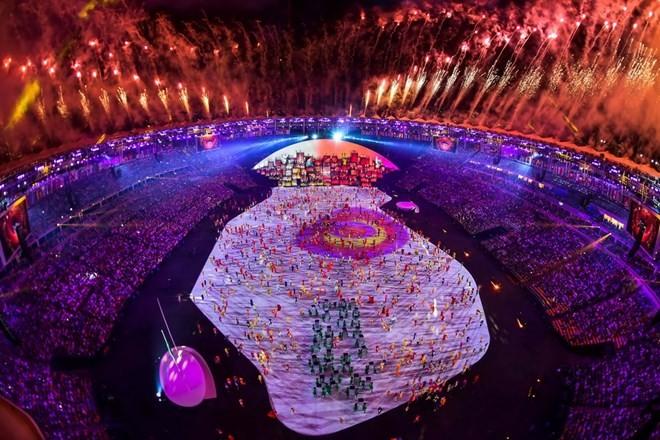 Chùm ảnh: Lễ khai mạc Olympic Rio diễn ra hoành tráng - ảnh 4