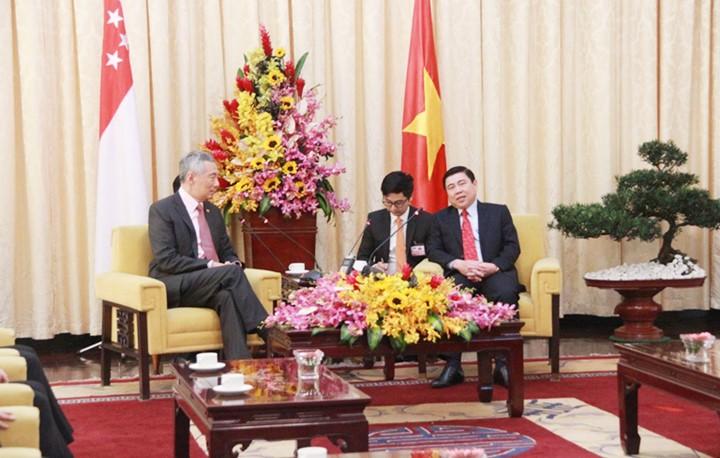 Thủ tướng Singapore vui mừng sau 10 năm trở lại TP.HCM - ảnh 10