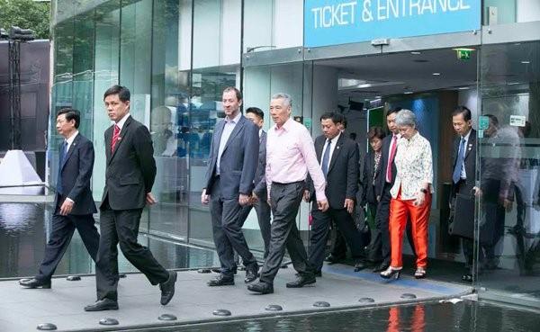 Thủ tướng Singapore vui mừng sau 10 năm trở lại TP.HCM - ảnh 14