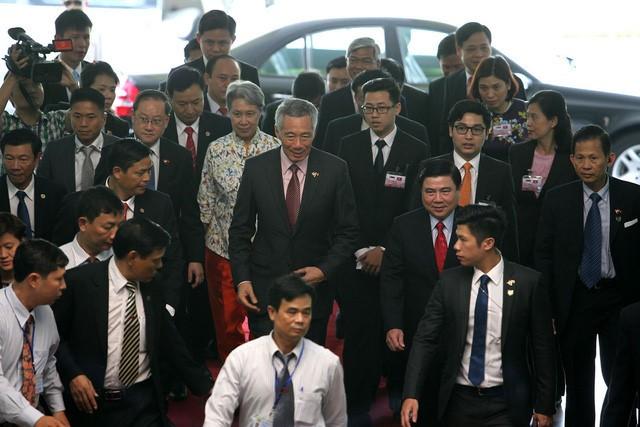 Thủ tướng Singapore vui mừng sau 10 năm trở lại TP.HCM - ảnh 5