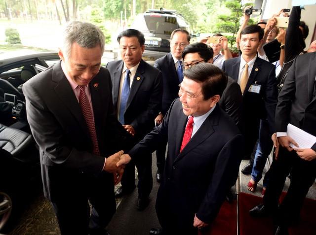 Thủ tướng Singapore vui mừng sau 10 năm trở lại TP.HCM - ảnh 6