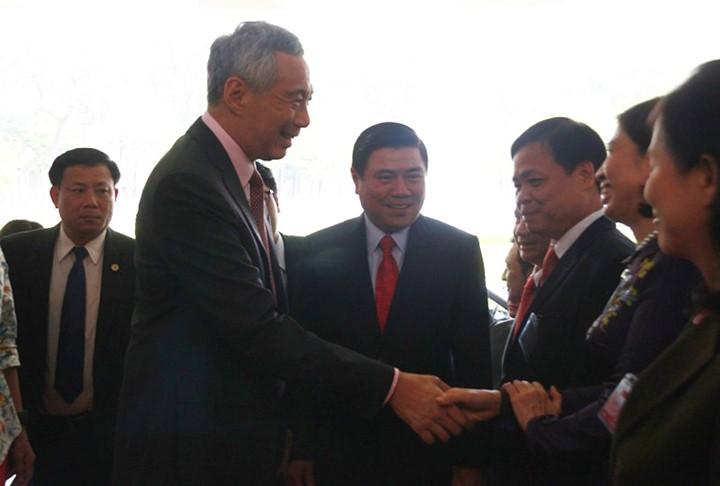 Thủ tướng Singapore vui mừng sau 10 năm trở lại TP.HCM - ảnh 7
