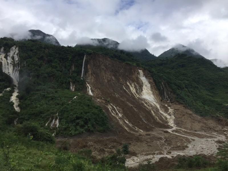 Chùm ảnh: Mưa lũ kinh hoàng ở các tỉnh miền Bắc - ảnh 9