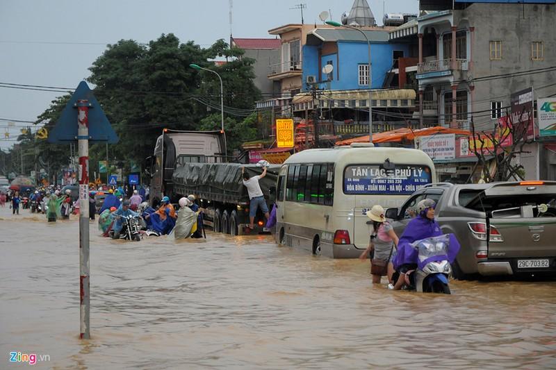 Chùm ảnh: Mưa lũ kinh hoàng ở các tỉnh miền Bắc - ảnh 2