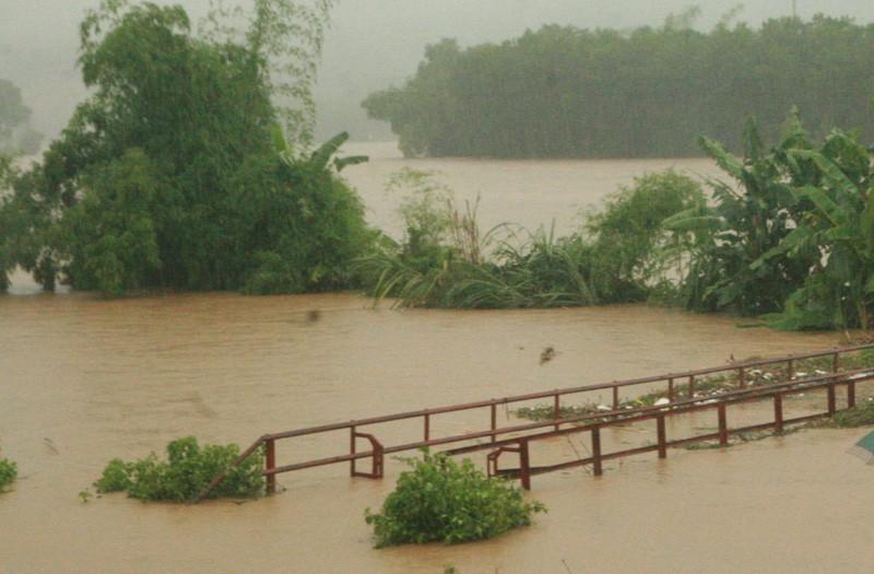 Chùm ảnh: Mưa lũ kinh hoàng ở các tỉnh miền Bắc - ảnh 7