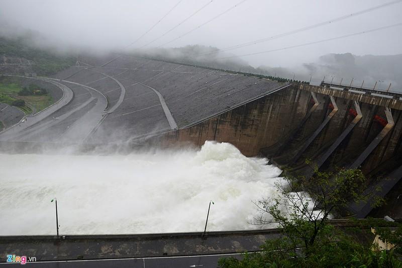 Chùm ảnh: Mưa lũ kinh hoàng ở các tỉnh miền Bắc - ảnh 5