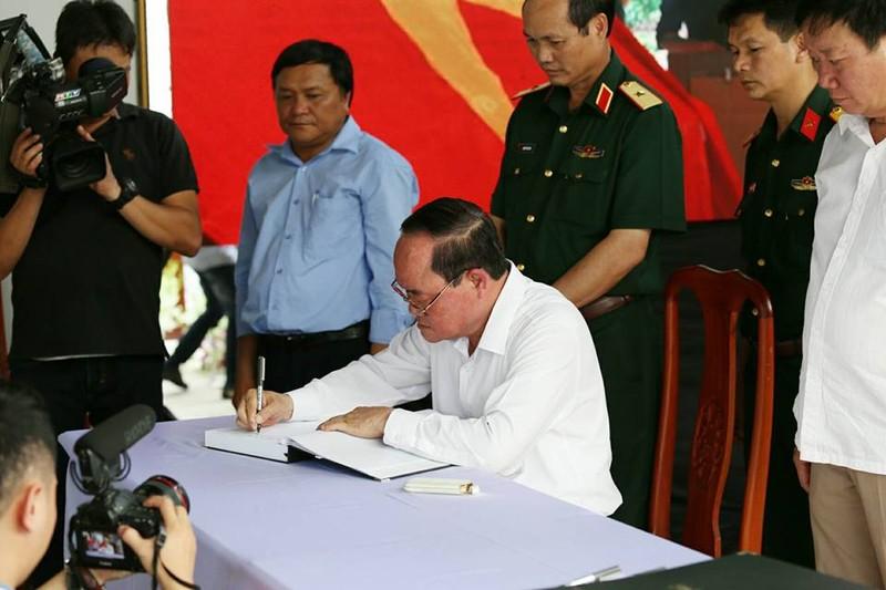 Ông Phạm Minh Chính viếng cố Thủ tướng Phan Văn Khải - ảnh 3