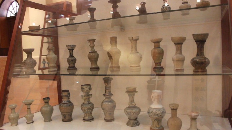 Độc đáo bộ sưu tập 650 đèn dầu cổ - ảnh 1