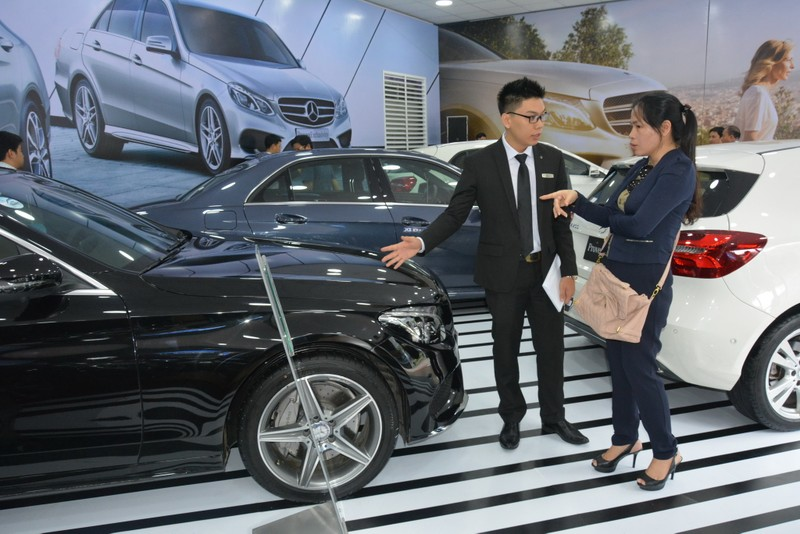 Người Việt mua ô tô 'kỷ lục' hơn 270.000 xe - ảnh 1