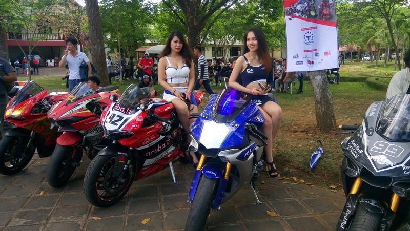 Bóng hồng làm 'nóng' đại hội mô tô lớn nhất Việt Nam - ảnh 3