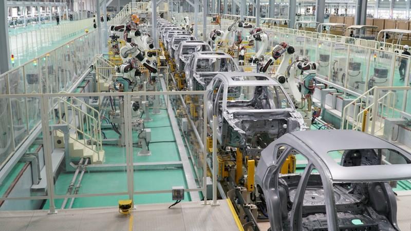 Đại gia ô tô Việt Nam nộp ngân sách gần 15.000 tỉ đồng - ảnh 2