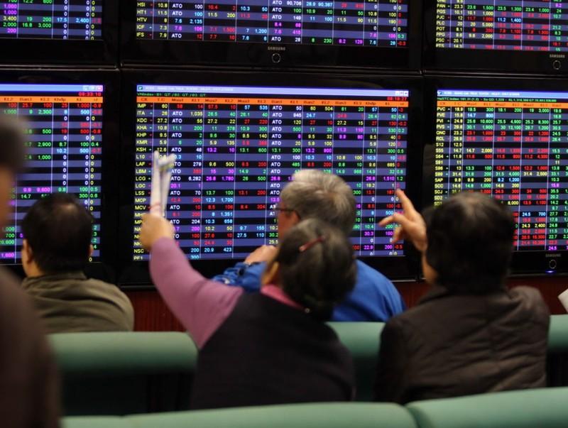 Lạ: Khối ngoại bán ra 600 tỉ đồng chỉ trong một ngày - ảnh 1