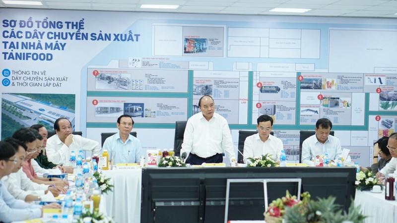 Thủ tướng thăm nhà máy trái cây gần 2.000 tỉ ở Tây Ninh - ảnh 1