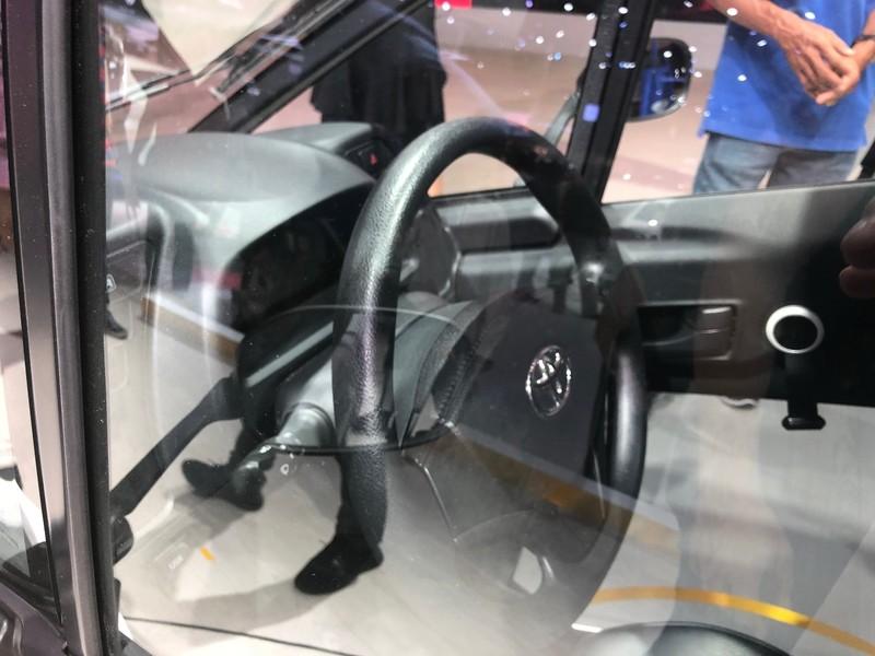 'Độc, lạ' chiếc xe điện 3 bánh I-Road tại triển lãm ô tô 2018 - ảnh 4