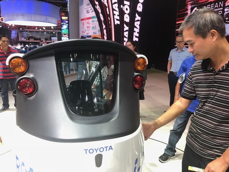 'Độc, lạ' chiếc xe điện 3 bánh I-Road tại triển lãm ô tô 2018 - ảnh 7