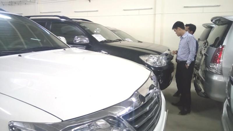 Ô tô Indonesia giá hơn 290 triệu đồng/chiếc tràn vào Việt Nam - ảnh 1
