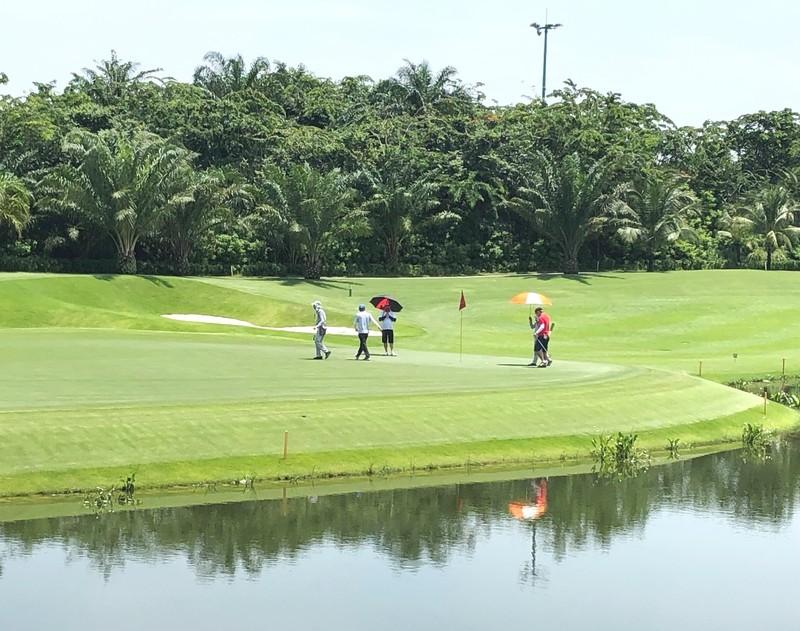 Hơn 200 golfer doanh nhân tranh tài tại giải Golf QNB - ảnh 2