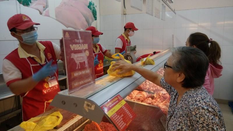 Thịt heo đắt đỏ, người Việt vẫn thích ăn - ảnh 1