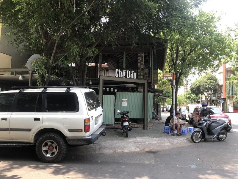 Hàng loạt quán ăn, salon tóc... đóng cửa chống dịch COVID-19 - ảnh 2